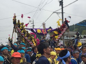 諏訪大社上社の御柱祭