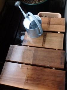 木材の外部用塗料の比較実験