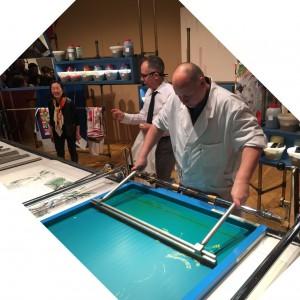 「エルメスの手しごと展」シルクスクリーン印刷の実演