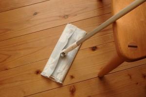無垢材の床のお手入れ